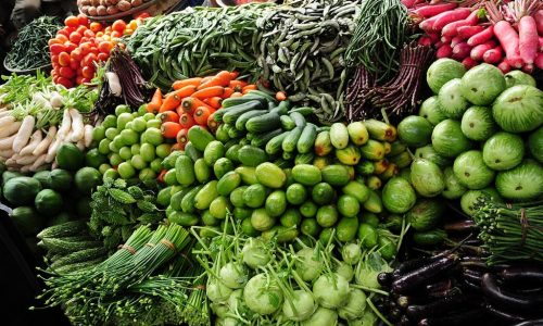 We export vegetable from Bangladesh and India. The vegetable business in Bangladesh and India is one of the lucrative and fastest growing because of huge demand of frozen vegetable products. Subcontinent is geologically located in such a way it has the advantage of a wide export in countries like Middle East, Europe, Japan and Korea. Moreover, India is bestowed with an excellent climatic condition which ensures availability of different kinds of vegetables. India is the second largest in producing vegetables. This vast production offers India great opportunities of export. We export vegetables and fruit from India and Bangladesh